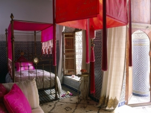 riad room pink